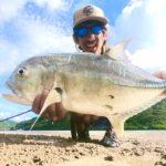 無職になって1ヶ月間離島で釣り続ける 川の巨大ロウニンアジ編